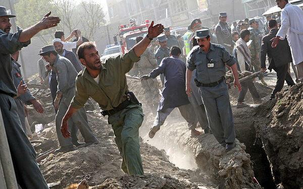 Число жертв теракта в шиитской мечети в Пакистане превысило 60 человек
