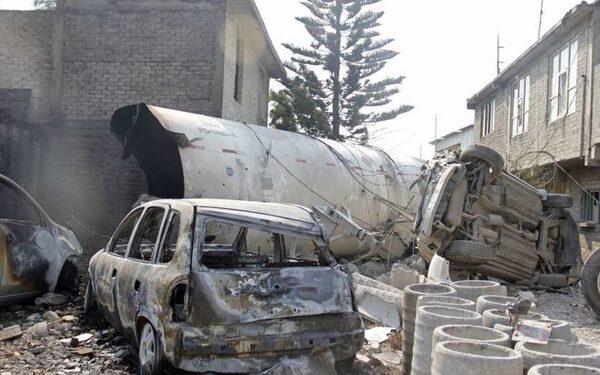 В Мексике в результате взрыва автоцистерны с газом пострадали 54 человека