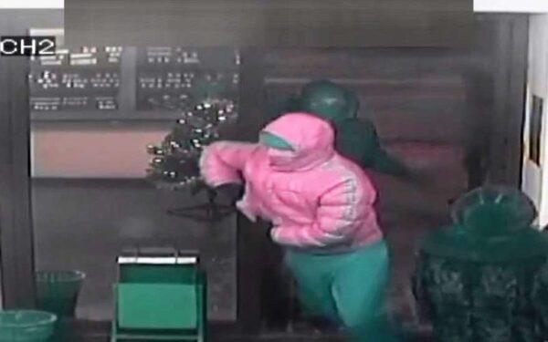 В Уфе трое неизвестных ограбили ювелирный салон на 400 тысяч рублей