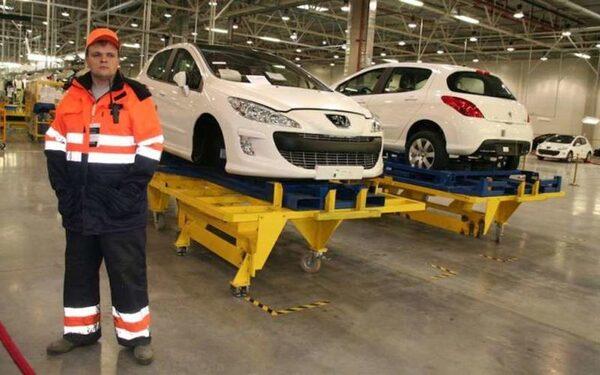 Калужский автозавод Peugeot-Citroen остановлен на две недели