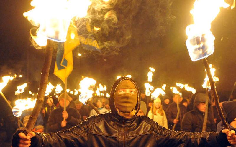 Факелы на Майдане