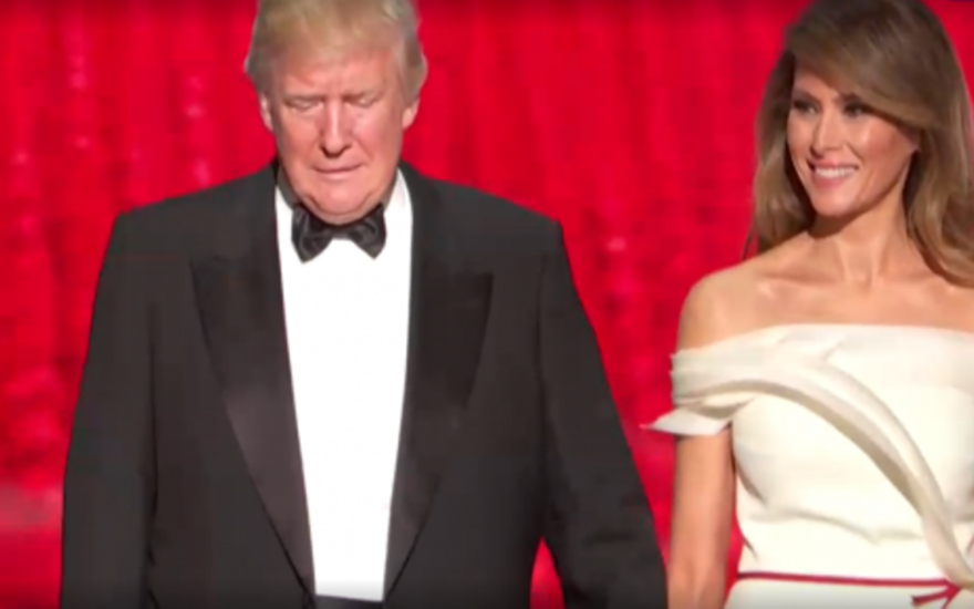 Дональд и Мелания Трамп «выкинули такой номер», от которого у американцев отвисли челюсти