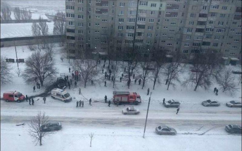 Взрыв в Луганске сейчас видео в ютубе: взрыв автомобиля 04.02.2017 — погиб глава милиции ЛНР
