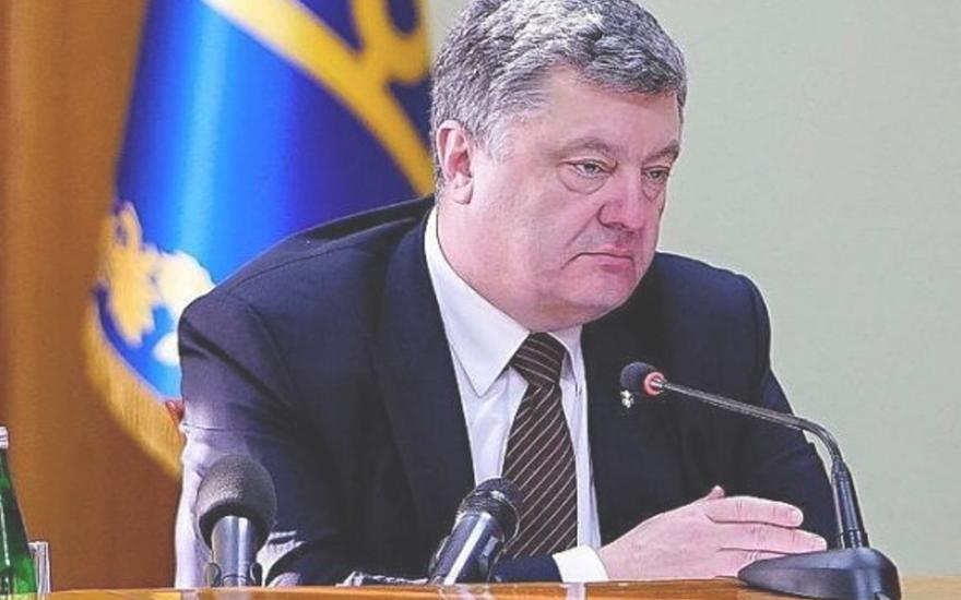 Публичный позор Порошенко привел к громкому скандалу: Дональд Трамп застука украинского лидера в расплох
