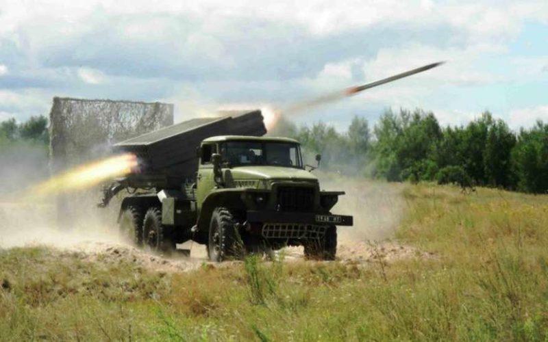 Украинцы в панике и не знают куда бежать: ВСУ начали бомбить своих