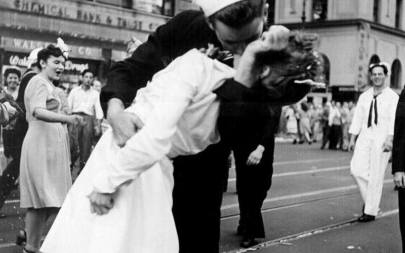 Ушла из жизни героиня знаменитой фотографии «Поцелуй на Таймс-сквер»