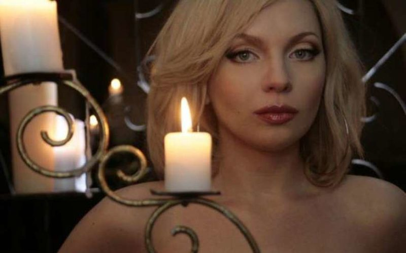 Экс-солистка группы «Банд'Эрос» Рада скончалась вСША из-за кровоизлияния вмозг