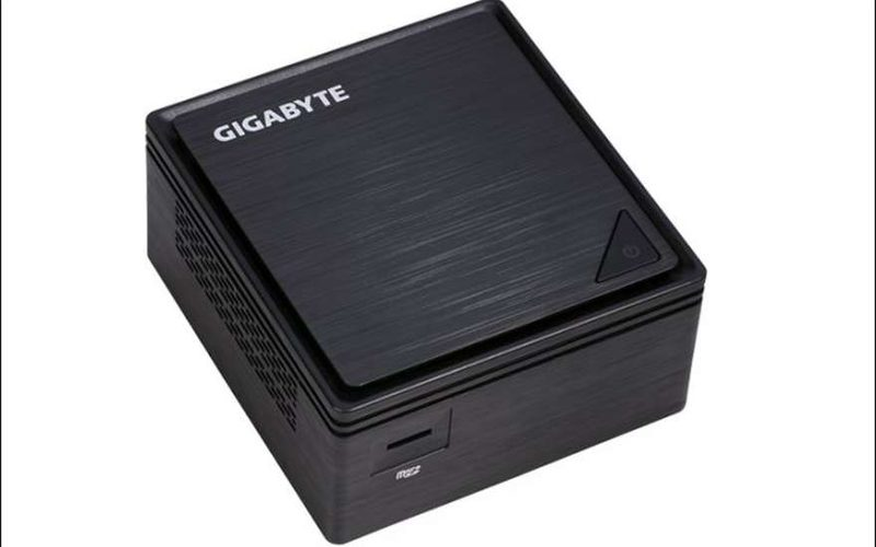 Компания Gigabyte представила компактный компьютер Gigabyte Brix GB-BPCE-3350