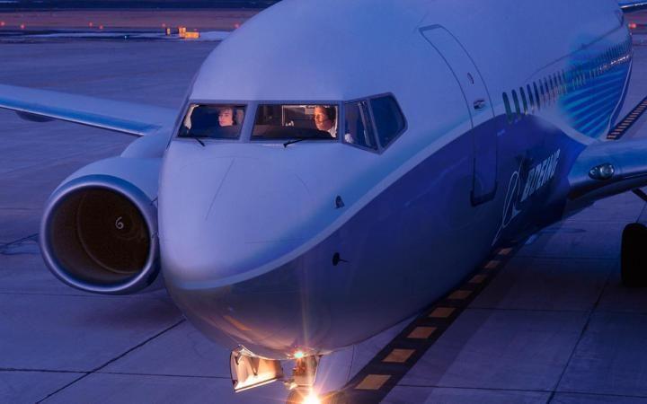Авиалайнер загорелся в аэропорту Монреаля, 5 человек госпитализированы