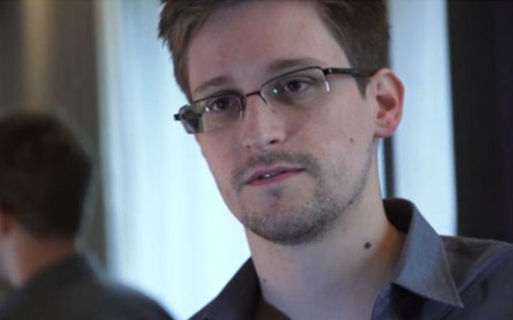Германия исключила предоставление убежища Сноудену