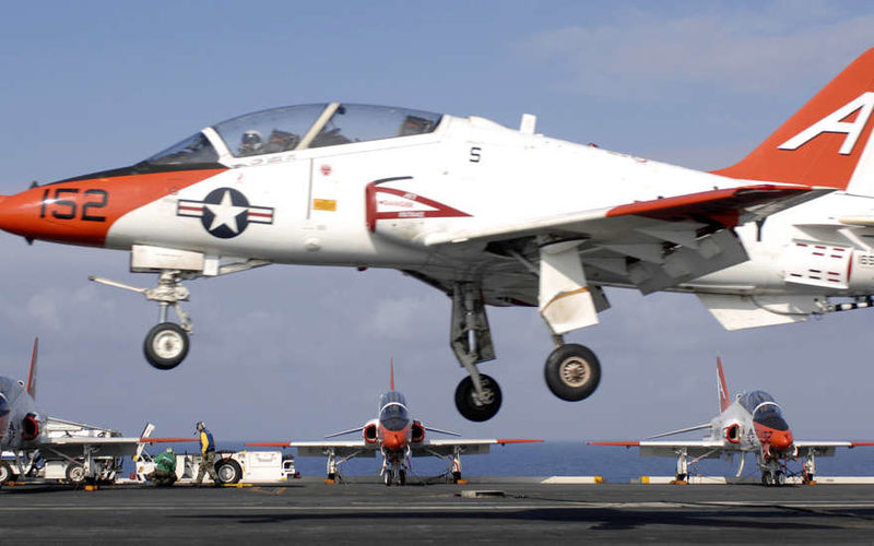 Во Флориде в ходе тренировочного полета разбился учебный самолет ВМС США, два члена экипажа госпитализированы