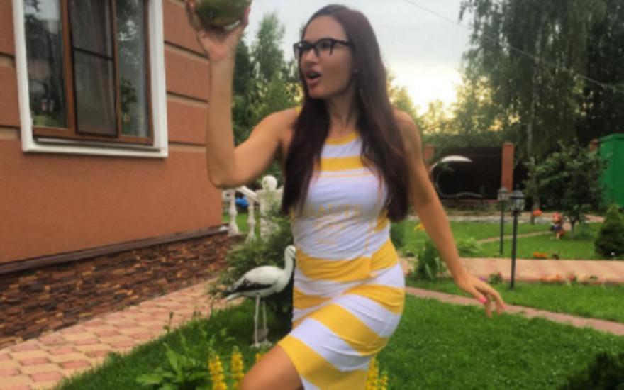 Певица Эвелина Бледанс