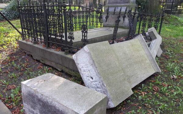 Драка на Хованском кладбище 14 мая, кто с кем, видео, последние новости: