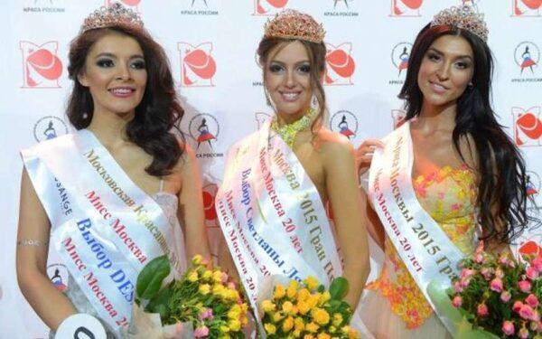 Титул «Мисс Москва-2015» выиграла Оксана Воеводина – модель и будущая бизнесвумен