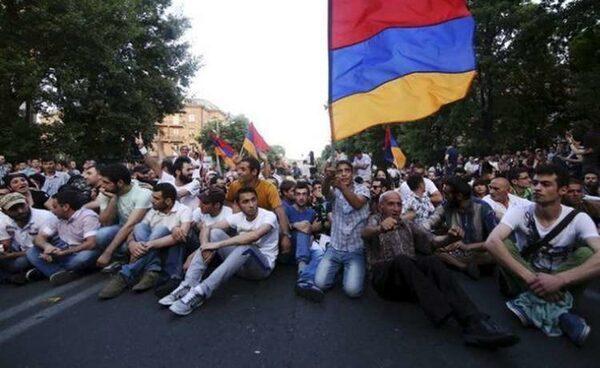Новости Армении и Еревана 09.07.2015: новые требования митингующих
