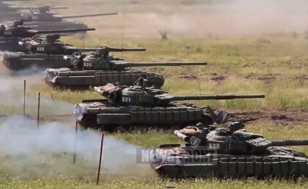 Учения танковых войск ЛНР