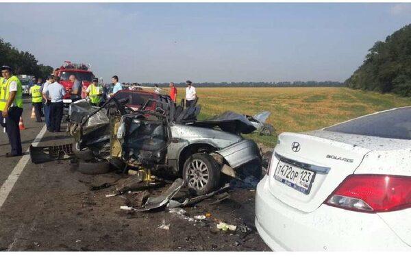 ДТП на Кубани 1 августа 2015, станица Васюринская: столкнулась четыре машины, погибли пять человек