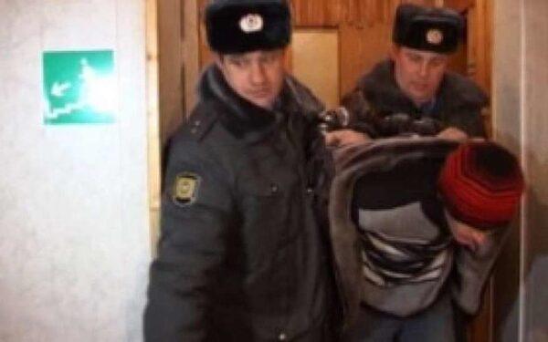 Житель Ейска задушил семейную пару и поджег их квартиру