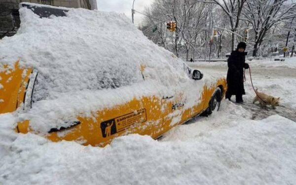 из-за мощной снежной бури в 4штатах США объявлен режим ЧС