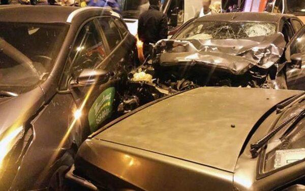 В Колпино массовая авария: столкнулись пять автомобилей