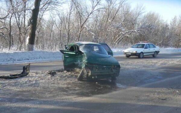 В Ростовской области столкнулись 2 машины - есть пострадавшие