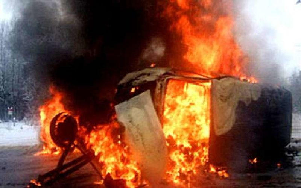 Под Волгоградом в столкнувшихся автомашинах сгорели четыре человека