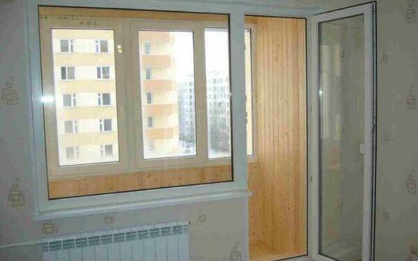 женщина в Питере прыгнула с балкона