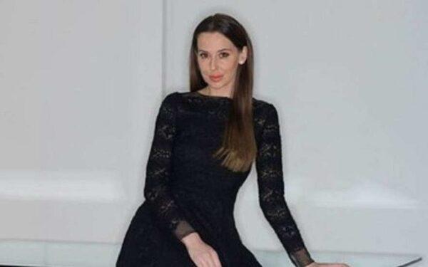 Яника Мерило на откровенных фото