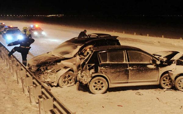На Челябинском тракте лихач устроил массовое ДТП и убил человека
