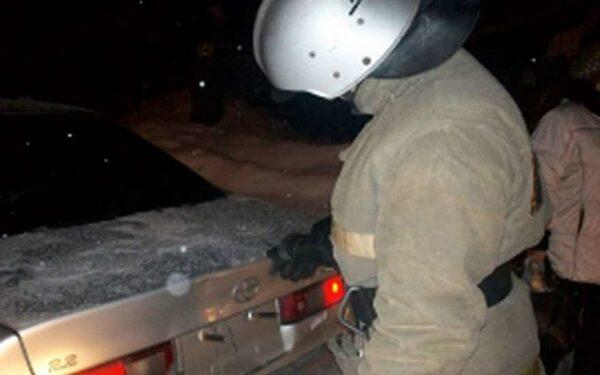 На Алтайской трассе столкнулись легковушка, грузовик и трактор