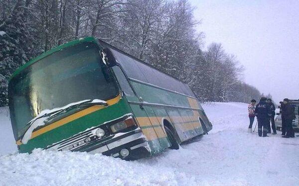 Автобус в кювете
