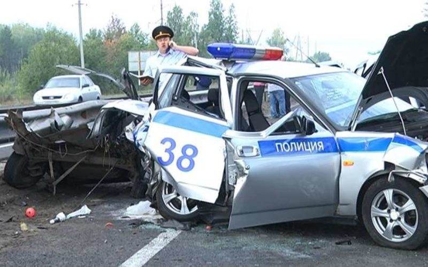 В Ростове сотрудник полиции насмерть сбил переходившую дорогу женщину