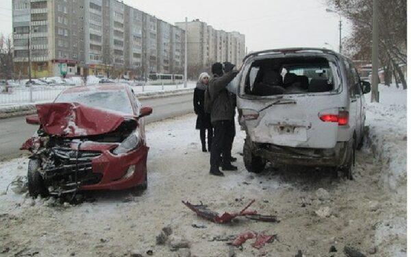 В Ростове автоледи устроила ДТП, пять человек пострадали