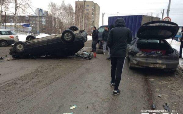 Массовая авария на Вторчермете