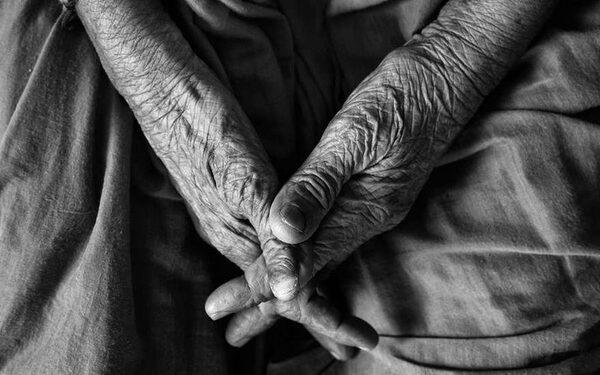 Мошенники ограбили пенсионеров