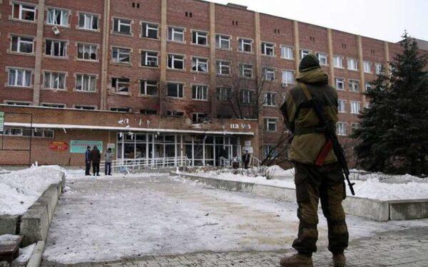 В результате обстрелов Донецка разрушена больница
