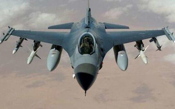 НАТО по тревоге подняла в воздух истребители