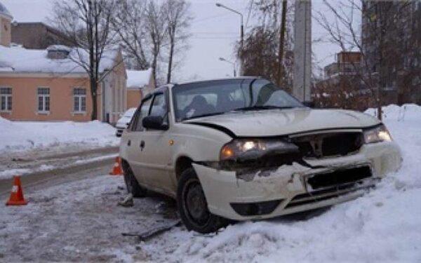 В Череповце после ДТП авто отбросило на ребенка