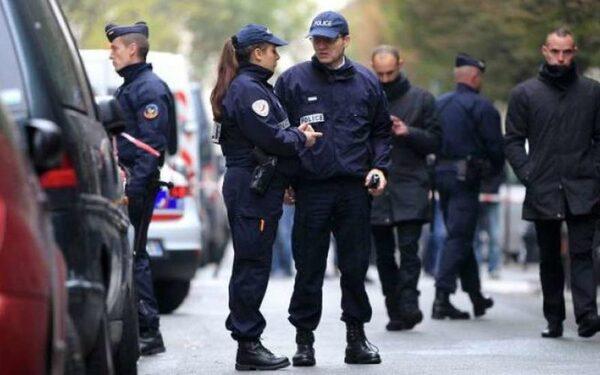 Мужчина из французского города грозится взорвать дом