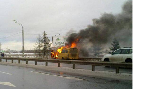 В Омске горела пассажирская Газель