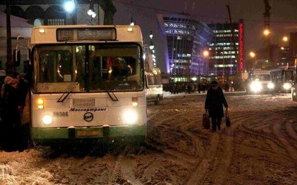 Автобус городского маршрута сбил молдованку на зебре