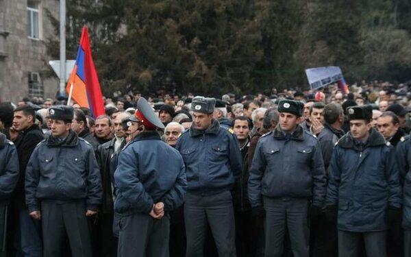 В Армении, в Гюмри, требуют выдачи Пермякова с российской базы, подозреваемого в убийстве