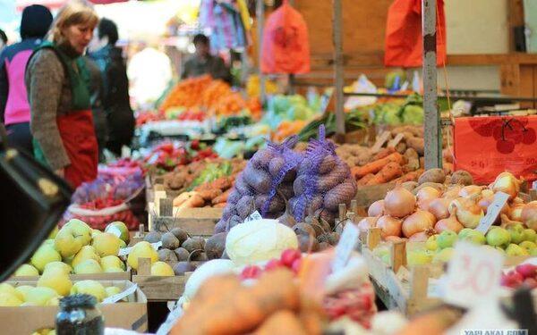 Янаки попросил в очередной раз подумать и разрешить Крыму регулировать цены на продовольствие
