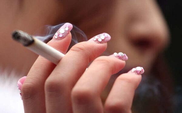 Гормональные колебания у женщин могут усиливать тягу к курению