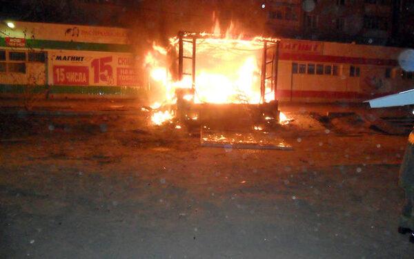 В Колпино сгорел торговый павильон