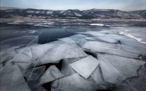 В Хакасии провалились под лед мама и двухлетний ребенок