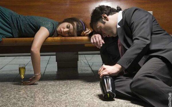 Трудоголики рискуют стать алкоголиками