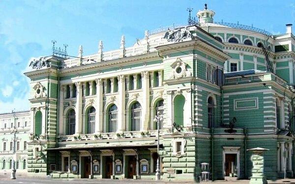 в петербурге Мариинский театр эвакуирован из-за сообщения о бомбе