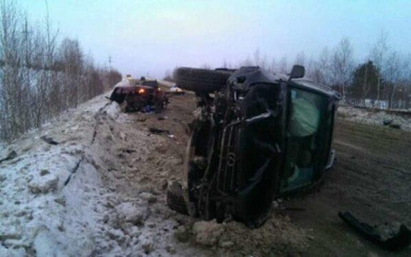 На трассе в Пермском крае в ДТП с двумя внедорожниками погибли трое мужчин