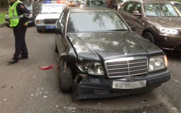 В Питере полиция погналась на Мерседесом, водитель которого не остановился по требованию